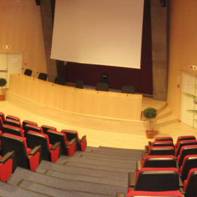 Amphitheatre Du Palais Des Congres Phare De Palavas Panoramique